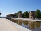 Le temple de Debod sous un joli ciel bleu espagnol